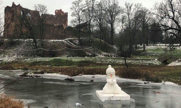 Miestas, kur susieina sniego seniai